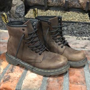 Dr. Martens brown leather Delaney boots size 3